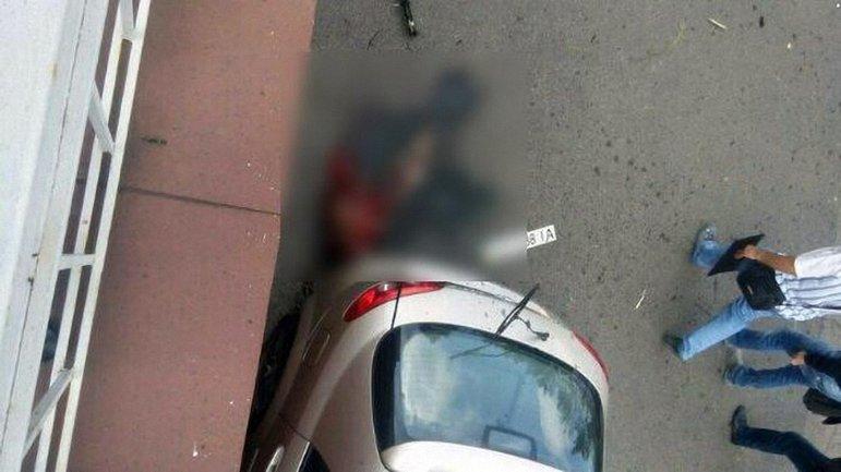 """Боевик """"ДНР"""" играл с гранатой прямо в центре города - фото 1"""