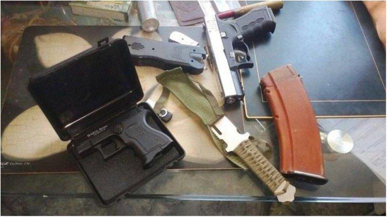 Оружие, которое было изъято у подохреваемых  - фото 1