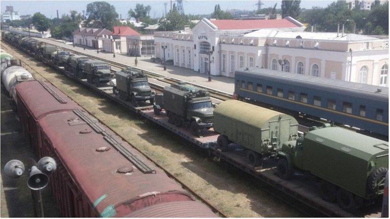 Движение военной техники через жилые районы создает угрозы - фото 1