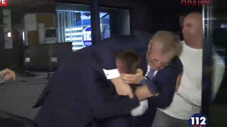 Депутаты подрались вчера после эфира  - фото 1