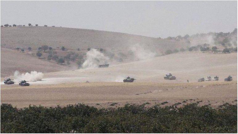 Турция перебросила в Сирию танки Leopard и несколько бронемашин - фото 1
