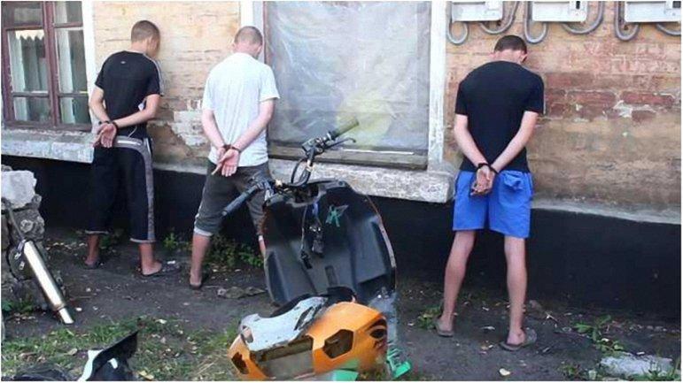 """Террористы нашли в Донецке подростков-""""диверсантов"""" - фото 1"""