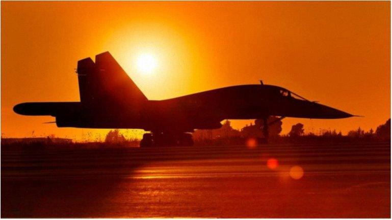 Путин одобрил бессрочное размещение авиагруппы ВС РФ в Сирии - фото 1