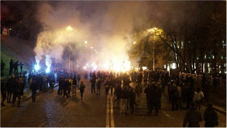 В шествии принимают участие около 5 тысяч активистов  - фото 1