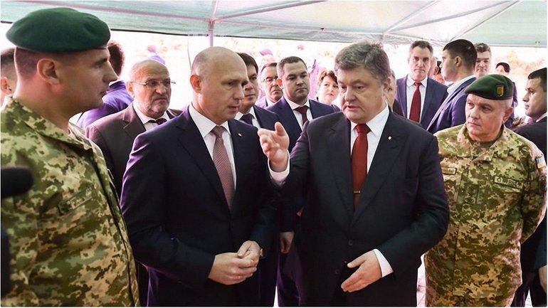 Порошенко рассказал о строительстве моста и переправы - фото 1