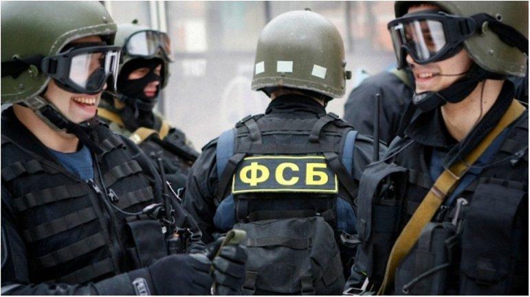 ФСБ будут создавать агентурные сети с помощью крымских украинцев - фото 1