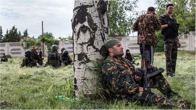 """В """"ЛНР"""" местный криминалитет массово ворует российское оружие - фото 1"""