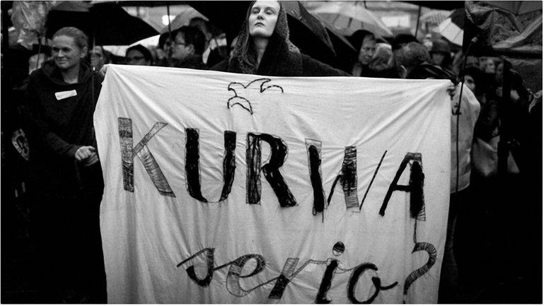 Черный понедельник в Варшаве - фото 1