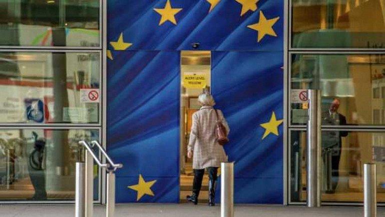 В Евросоюзе думают, как отменить безвизовый режим - фото 1