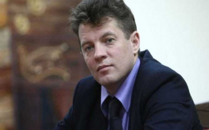 К Роману Сущенко не пускают консула - фото 1