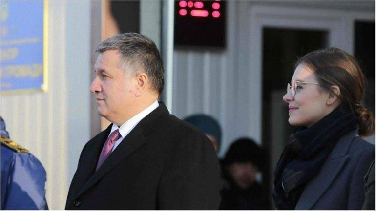 Министр и его любимый заместитель - фото 1