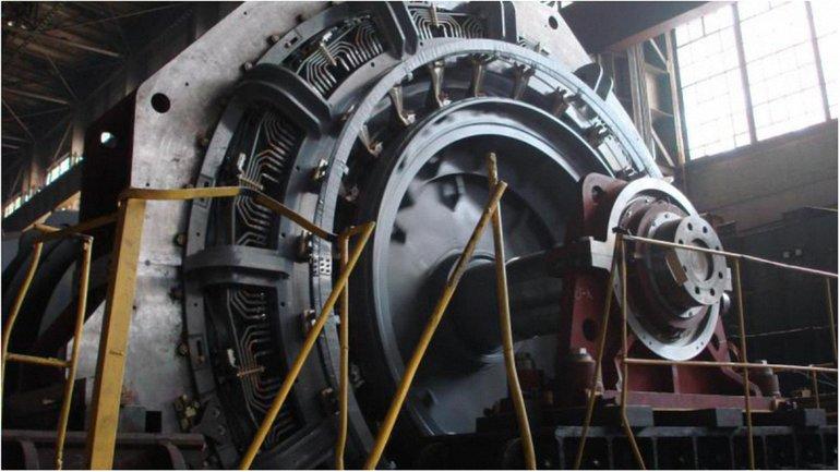Чиновник продал электродвигатель постоянного тока в Казахстан - фото 1