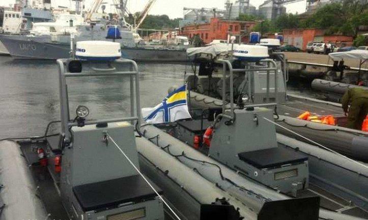 Украинские военные получили скоростные лодки от США - фото 1