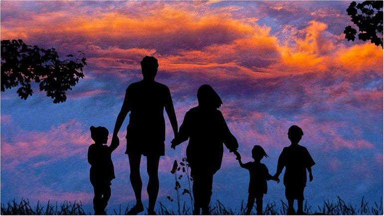 Курс на щасливе дитинство - фото 1