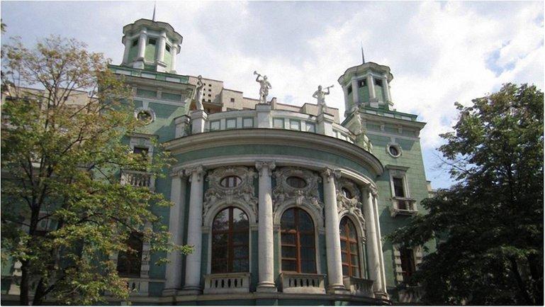 Здание Киевского ипподрома на Печерке - фото 1