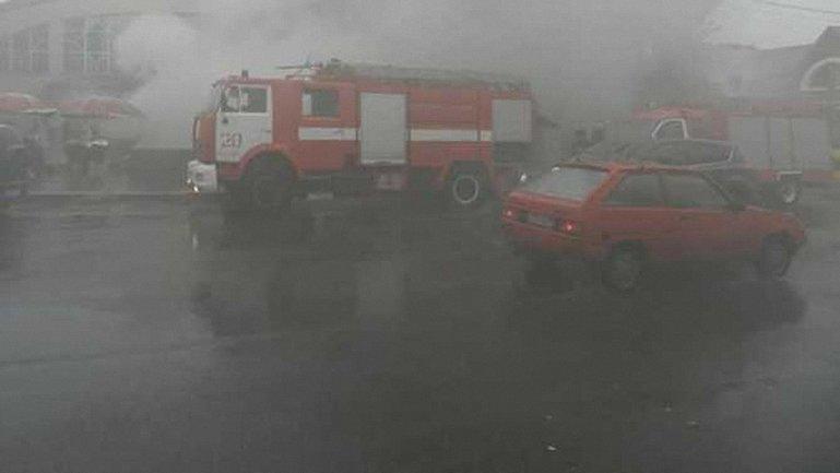 """Спасатели полтора часа ждали, пока на место пожара приедут из """"Киевэнерго"""" - фото 1"""