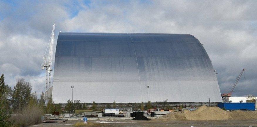Так выглядит саркофага над реактором ЧАЭС - фото 1