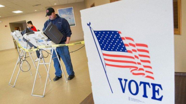 В небольших городках некоторых штатов стартовали выборы 45 президента США - фото 1