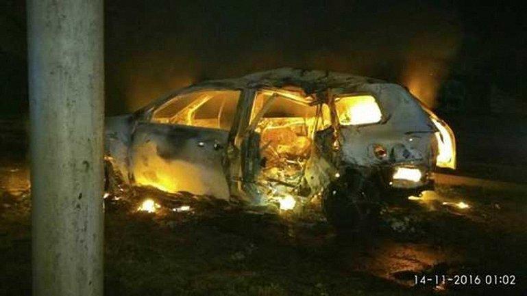 Авто, которым управлял боец КОРДа, загорелось после столкновения - фото 1