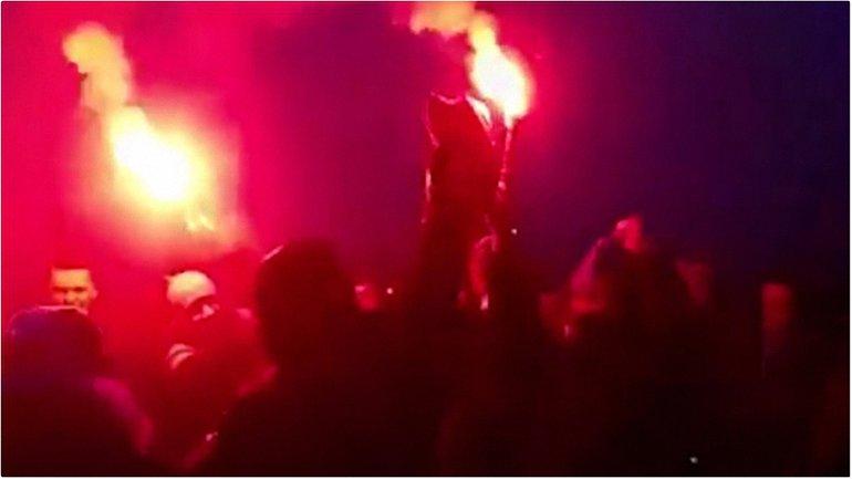 Неизвестные сожгли украинский флаг  - фото 1