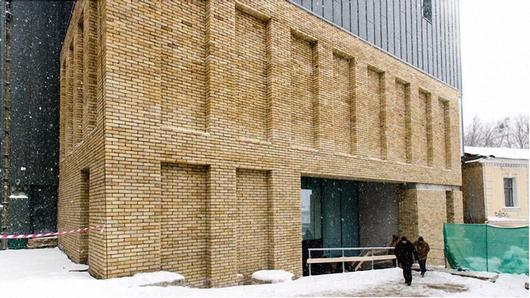 Сегодня торжественно открыли фасад театра - фото 1
