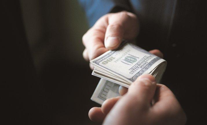 Чиновники получали 1 доллар за каждую тонну импортируемого газа - фото 1