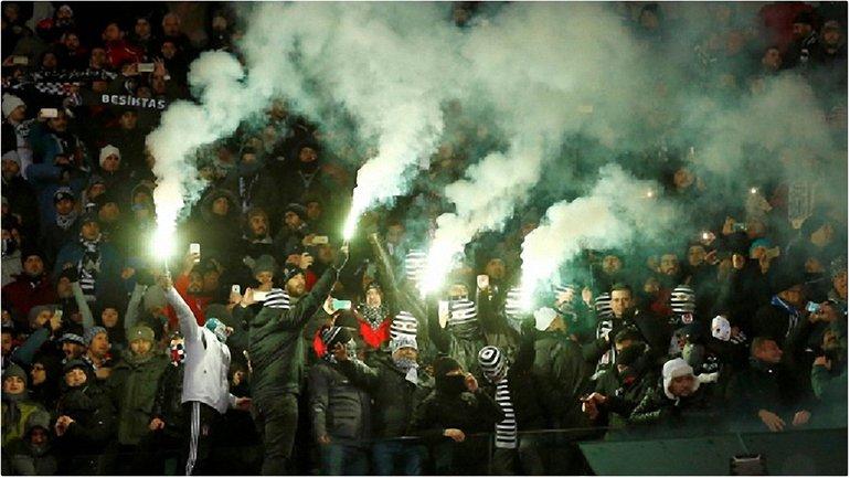 Турецкие болельщики запомнят визит в Киев - фото 1