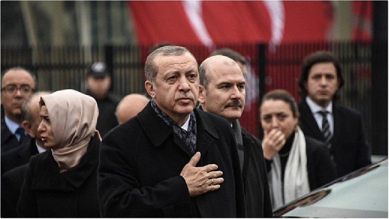 Эрдоган по телефону сообщил Путину о смерти посла - фото 1