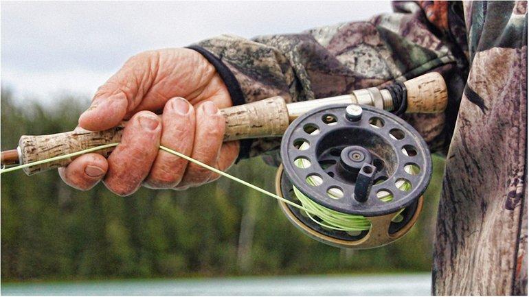 Рыбак отрицает причастность к вылову рыбы - фото 1