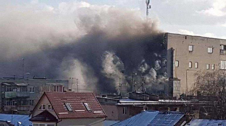 Масштабный пожар на территории завода во Львове начался днем - фото 1