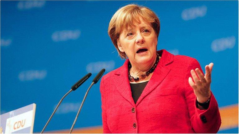 Меркель обеспокоена - фото 1