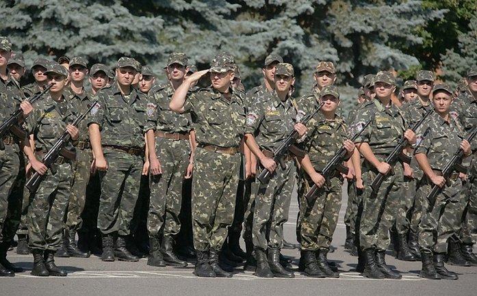 """В Генштабе считают, что призванным по новому закону офицерам запаса """"повезет"""" - фото 1"""