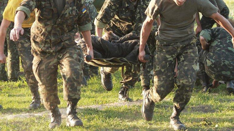 Ранения были получены в результате обстрелов позиций ВСУ на Донбассе - фото 1