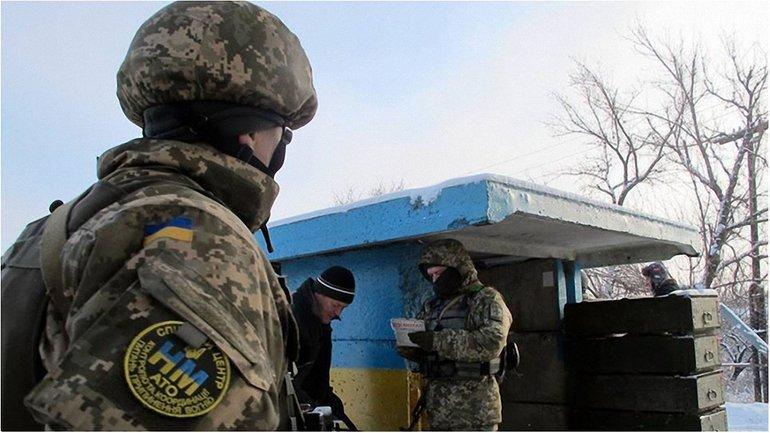 В воскресенье боевики 22 раза нарушали режим тишины - фото 1