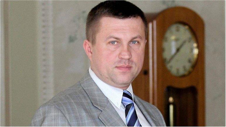 Взятку помощник нардепа требовал от частного предпринимателя  - фото 1
