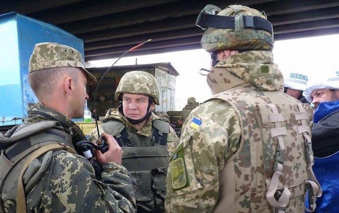 В СЦКК уверены, что среди наблюдателей ОБСЕ есть российские спецслужбисты - фото 1