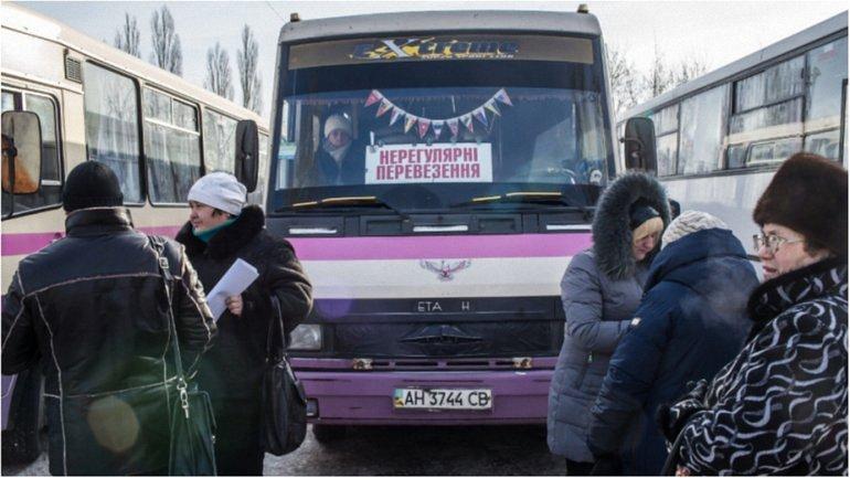 Боевики продолжают обстреливать украинских военных под Авдеевкой - фото 1