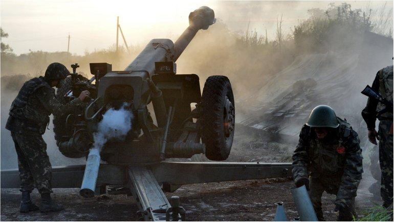 За сутки боевики совершили 105 обстрелов украинских позиций - фото 1