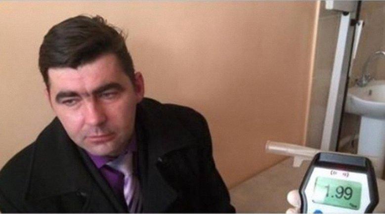"""В крови """"чиновника"""" врачи обнаружили почти 2 промилле алкоголя - фото 1"""