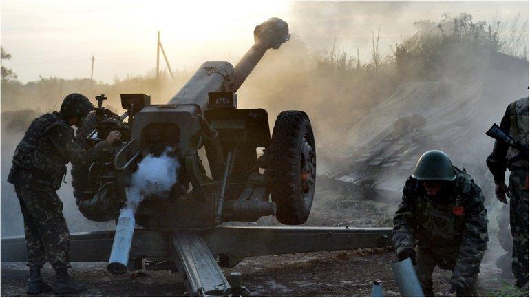 Один украинский военнослужащий получил ранение - фото 1