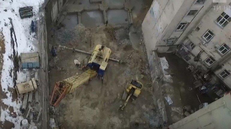 Из-за строительства 12-этажного офисного центра пошли трещины на соседних зданиях - фото 1