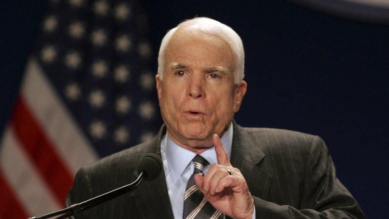 Он напомни, что США Рональд Рейган называл сияющим городом на холме - фото 1