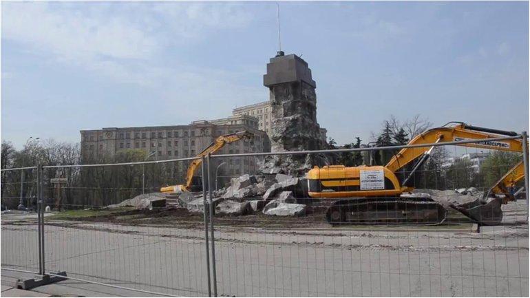 Ленина демонтировали еще в 2014 году - фото 1