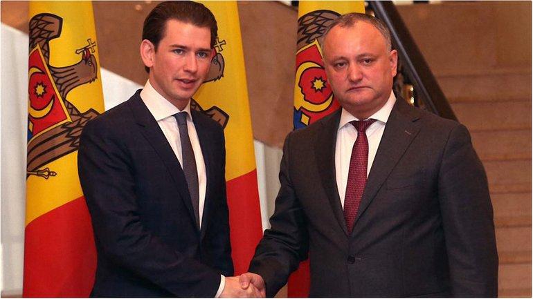 Игорь Додон (справа) выступает за реинтеграцию Молдовы и Приднестровья - фото 1