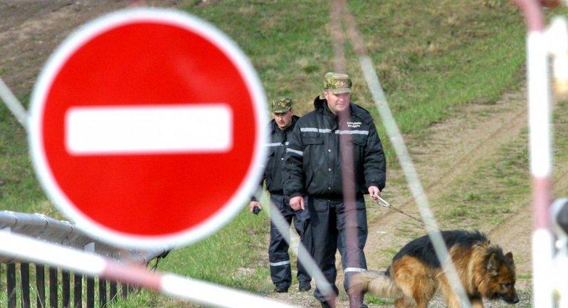 Белорусские пограничники не пустили через границу украинцев - фото 1