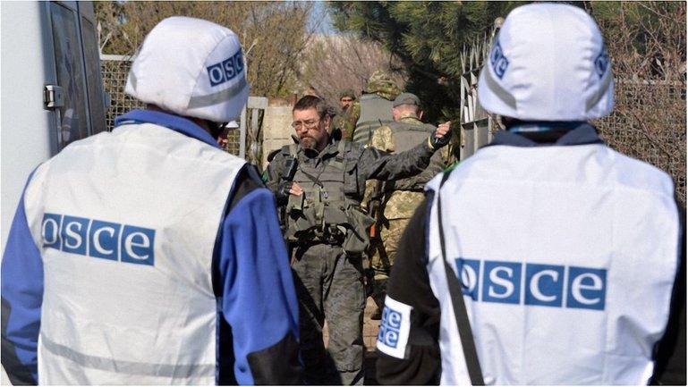 Команда СММ услышала 20 одиночных выстрелов из стрелкового оружия - фото 1