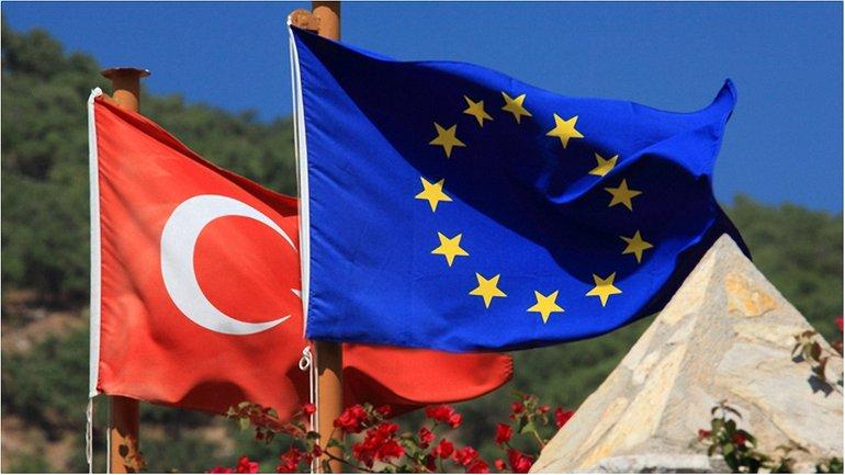 Брюссель насторожили негативные тенденции в Анкаре  - фото 1