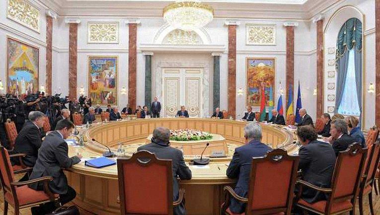 """Представители Украины объяснили ОБСЕ, что признание """"паспортов"""" боевиков недопустимо - фото 1"""