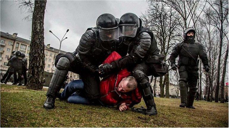 По разной информации, были задержаны около 700 человек  - фото 1