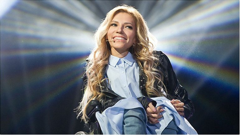 Российская певица может выступить по видеосвязи  - фото 1